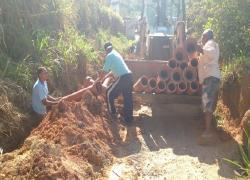 """""""Rua da Lama"""" recebe investimentos em saneamento básico"""