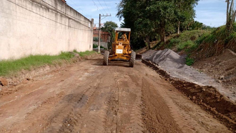 24_06_Distrito_Calif__rnia_passa_por_obras_p__blicas_asfaltamento.jpg